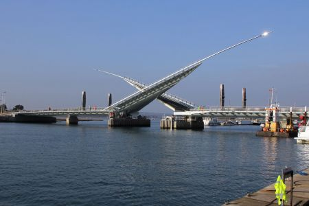 Разводной мост The Twin Sails Bridge (The second harbour crossing)