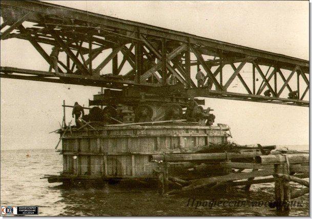 центральная опора поворотной фермы моста